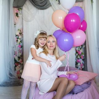 фотосессия для мамы и дочки в фотостудии фотограф нижний новгород