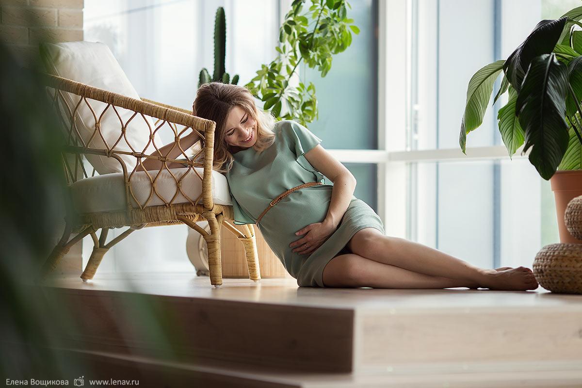 фотосессия беременности в ожидании в фотостудии