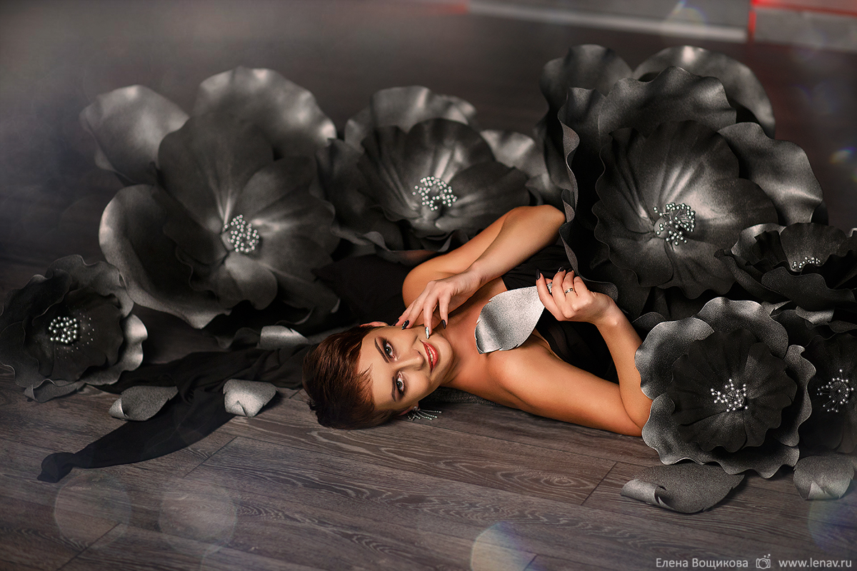индивидуальная фотосессия с цветами из фоамирана в фотостудии