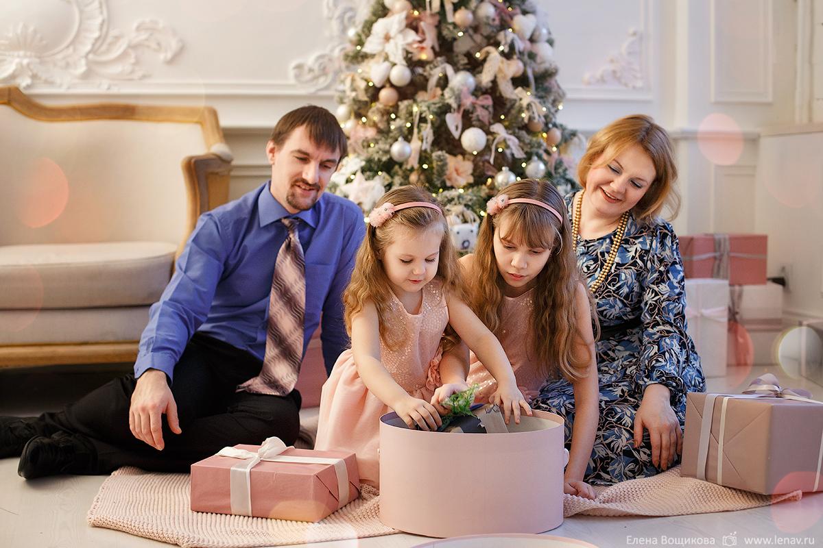 семейная новогодняя фотосессия фотограф семейный в нижнем новгороде