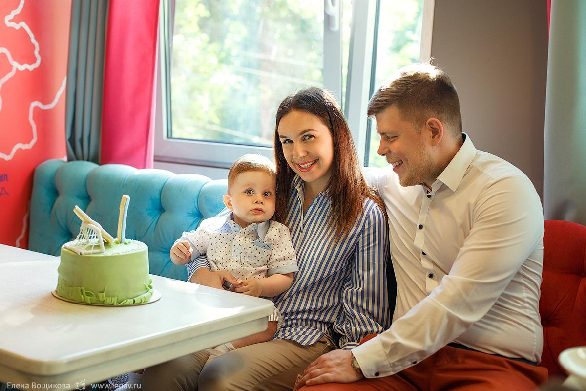 семейная фотосессия на один годик малыша