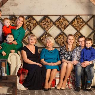 семейная фотосессия четыре поколения