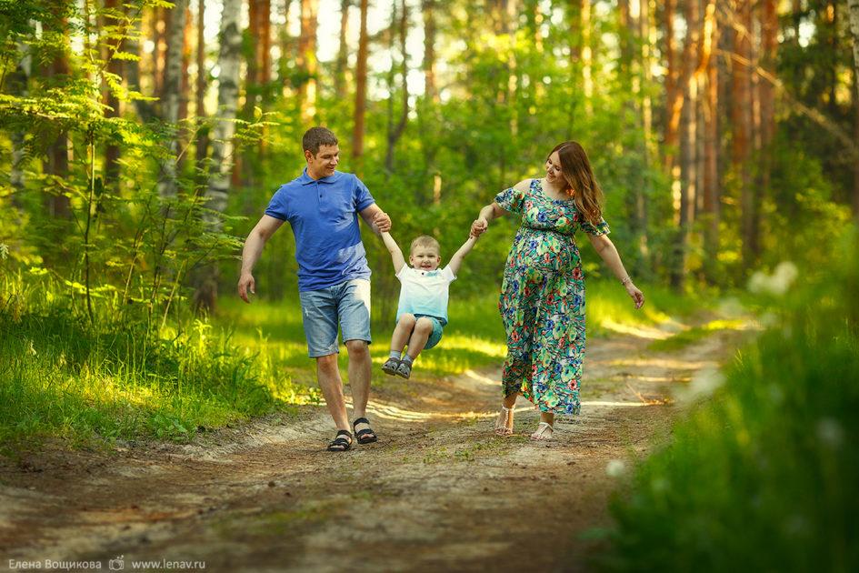 семейная фотосессия в ожидании чуда фотограф